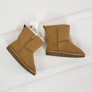Baby GAP Sherpa Lined Boots Toddler Size 9 NEW